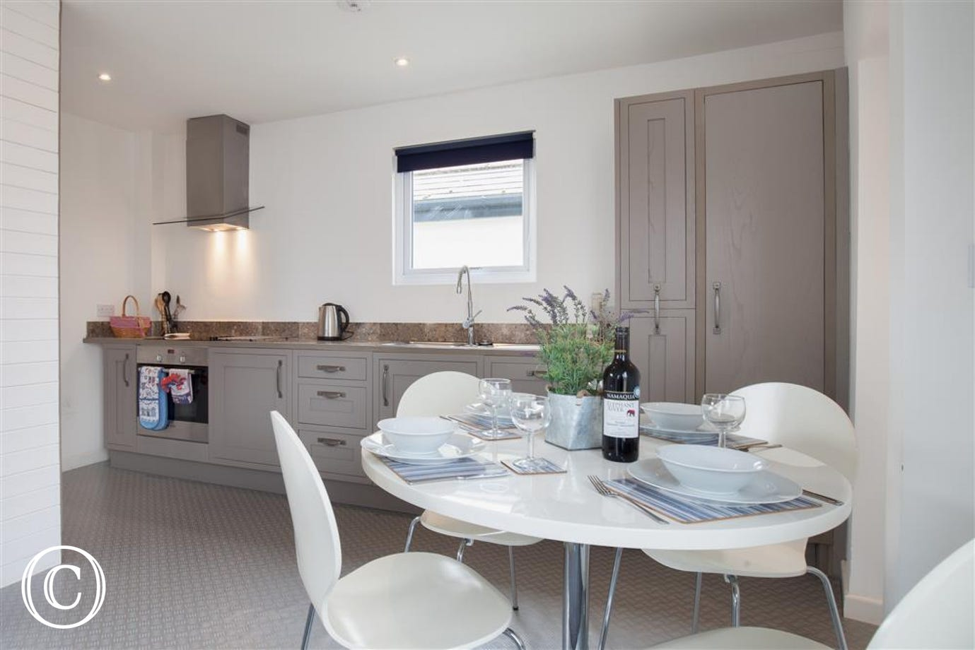 Oyster Cottage, Shaldon - Kitchen view