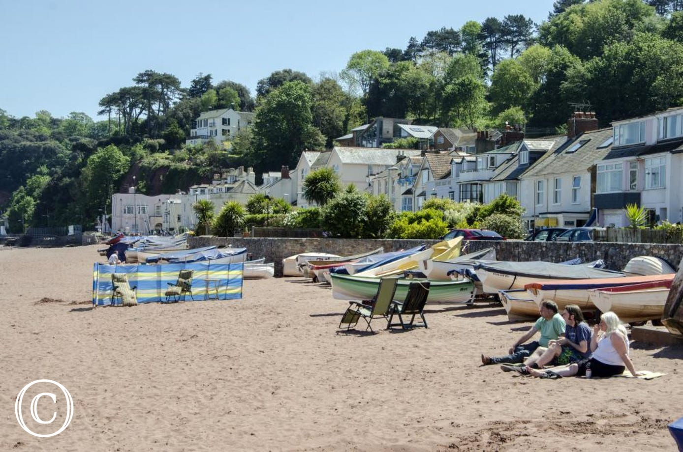 Shaldon Beach just 2 minutes away!