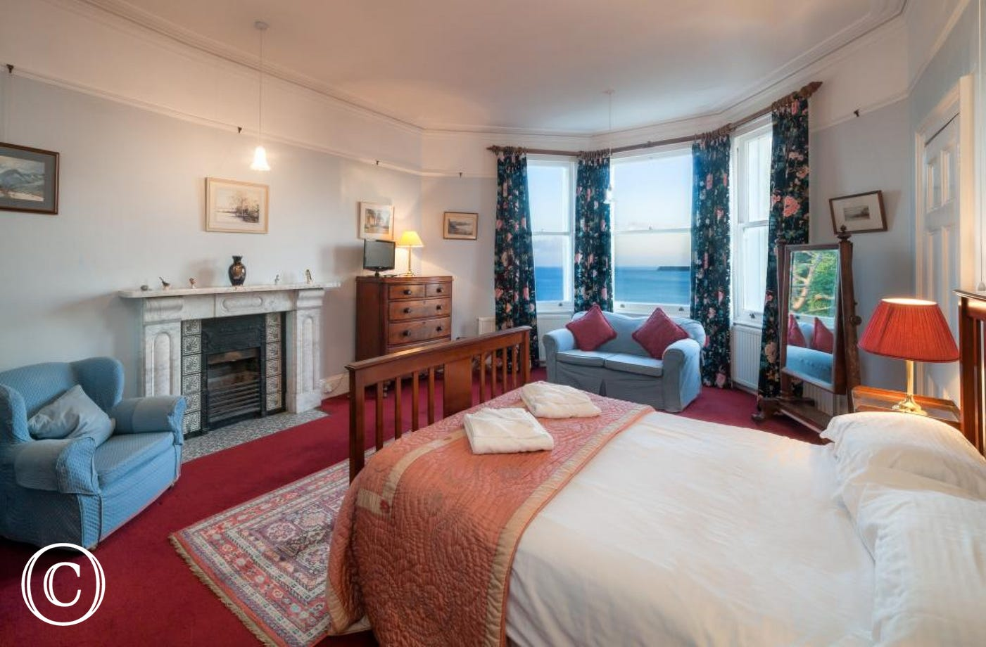 Longcroft House, Torquay - Master bedroom with stunning sea views