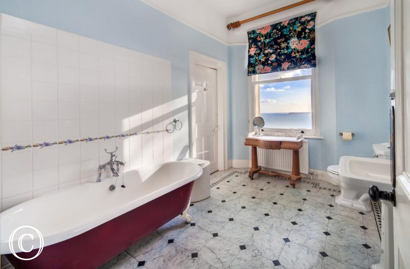 Longcroft House, Torquay - Bathroom