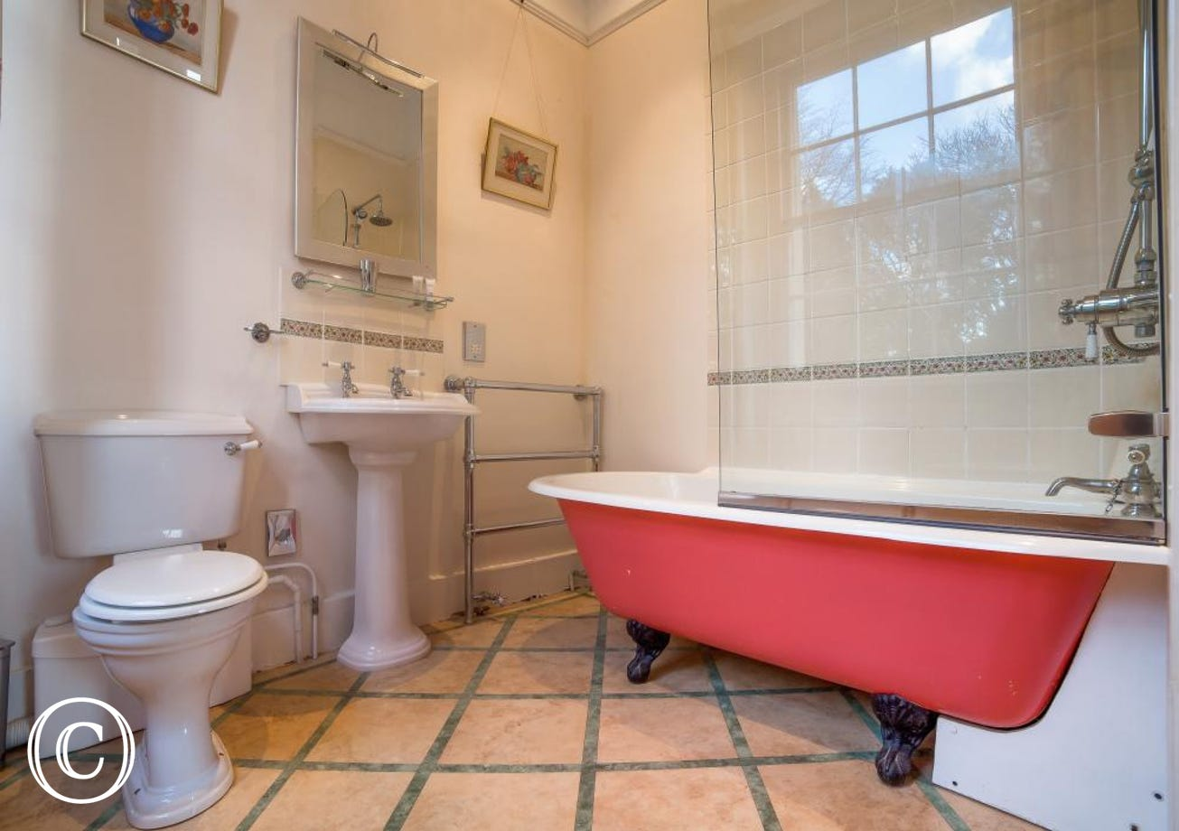 Longcroft House, Torquay - Bathroom 2