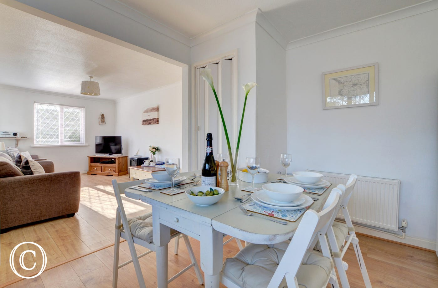 Enjoy family meals together around the kitchen dining table