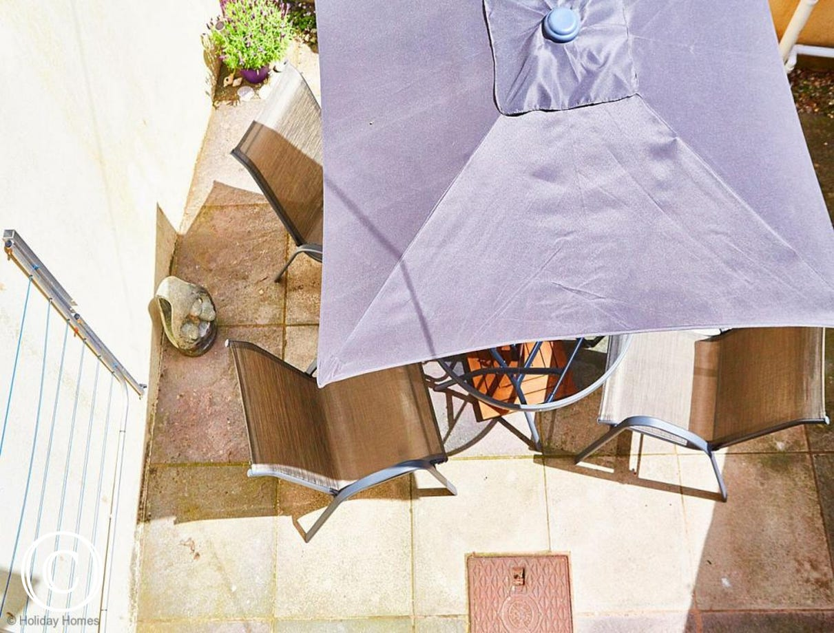 Quayside Cottage Teignmouth - Courtyard Dining