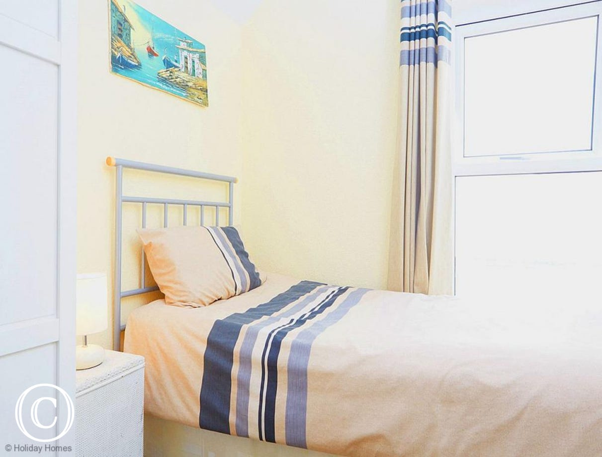 Quayside Cottage Teignmouth - Twin Bedroom 2