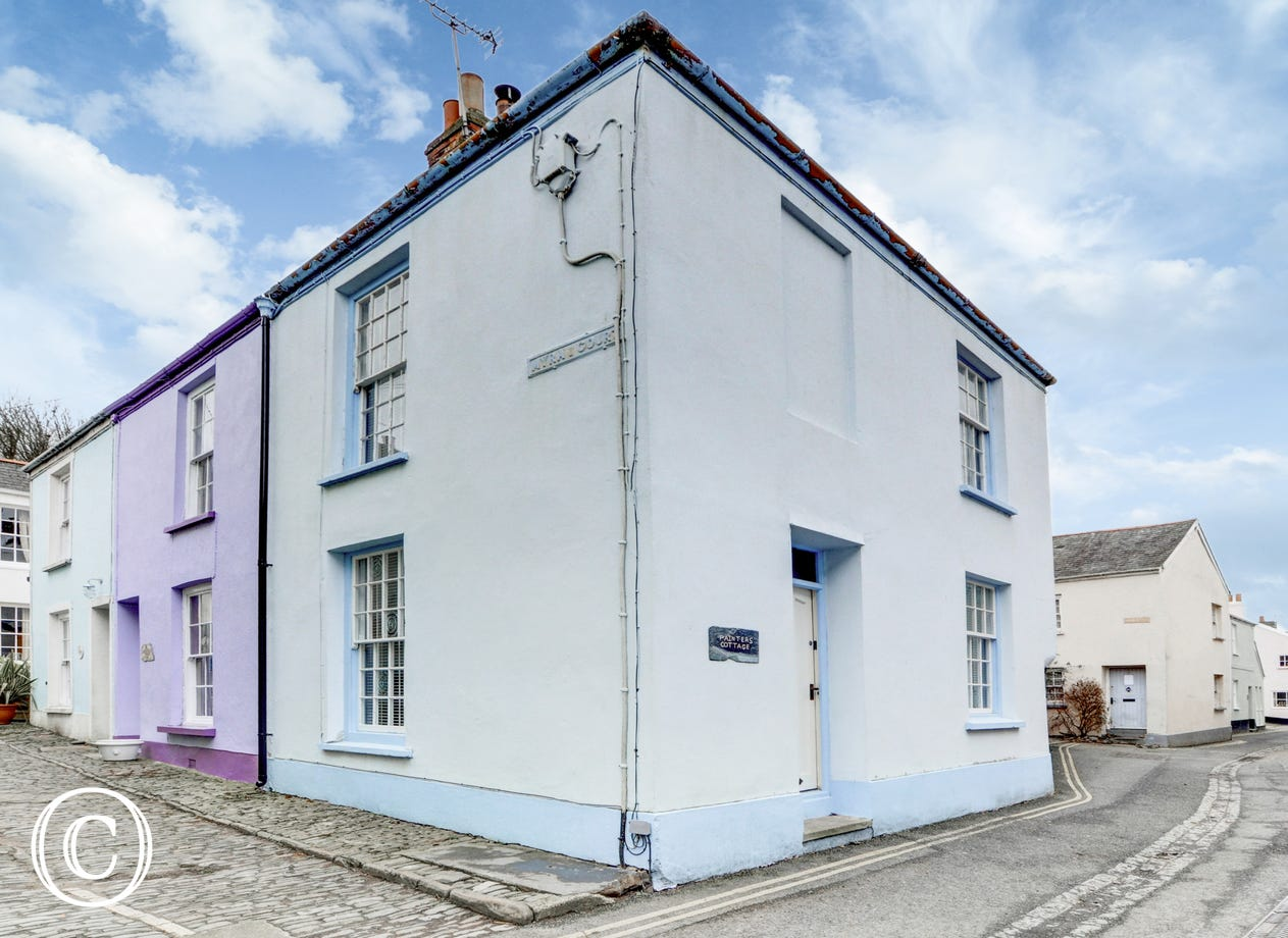 Painter's cottage offers a cosy retreat for couples, friends or small families looking for a base to enjoy this wonderful part of North Devon