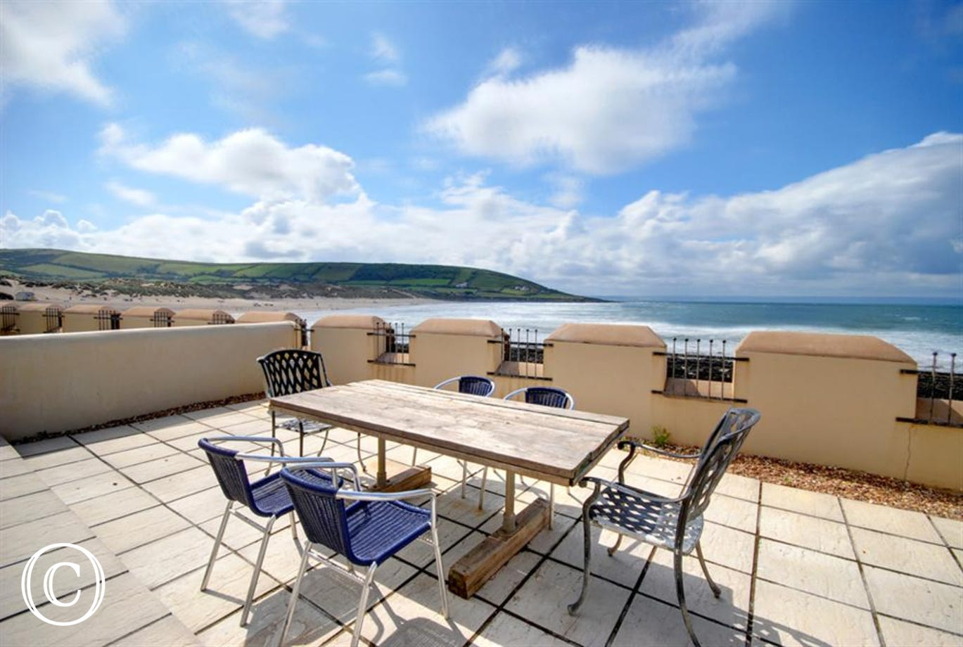 Enjoy any meal of the day out in the sun with fantastic views over the coast at Croyde.