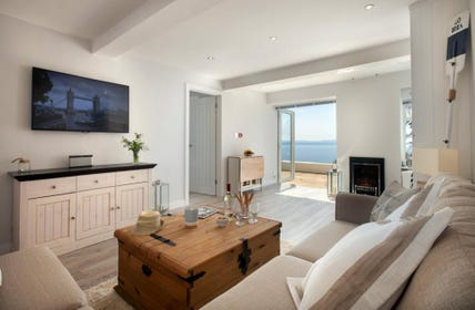 A Bright and Modern Couples retreat holiday apartment in Torquay