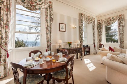 Meadfoot Beach Apartment, Torquay - Lounge and dining area