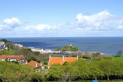 This shows views across to Lantern Hill and Ilfracombe harbour.