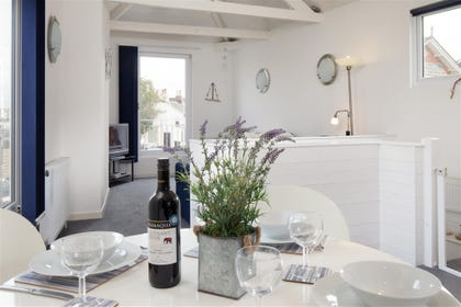 Oyster Cottage, Shaldon - Kitchen table