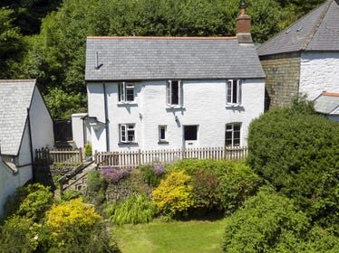 Tree Tops is situated in a beautiful, tranquil, sheltered wooded valley within Exmoor National Park