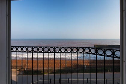 Breathtaking Sea Views at 16 Great Cliff in Dawlish, South Devon