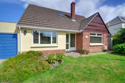 This popular detached property provides bright and cheerful accommodation on the outskirts of the market town of Barnstaple