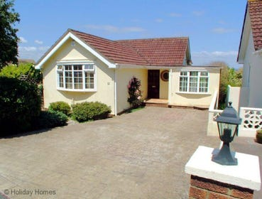 Meadowside Paignton - Sunny Property with Private Parking