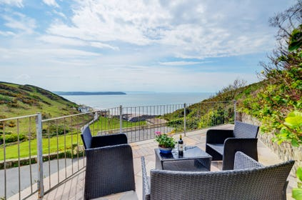 Magnificent views out over Woolacombe Bay and out towards the distant headlands and Lundy Island
