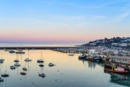 Brixham holiday cottages near the harbour
