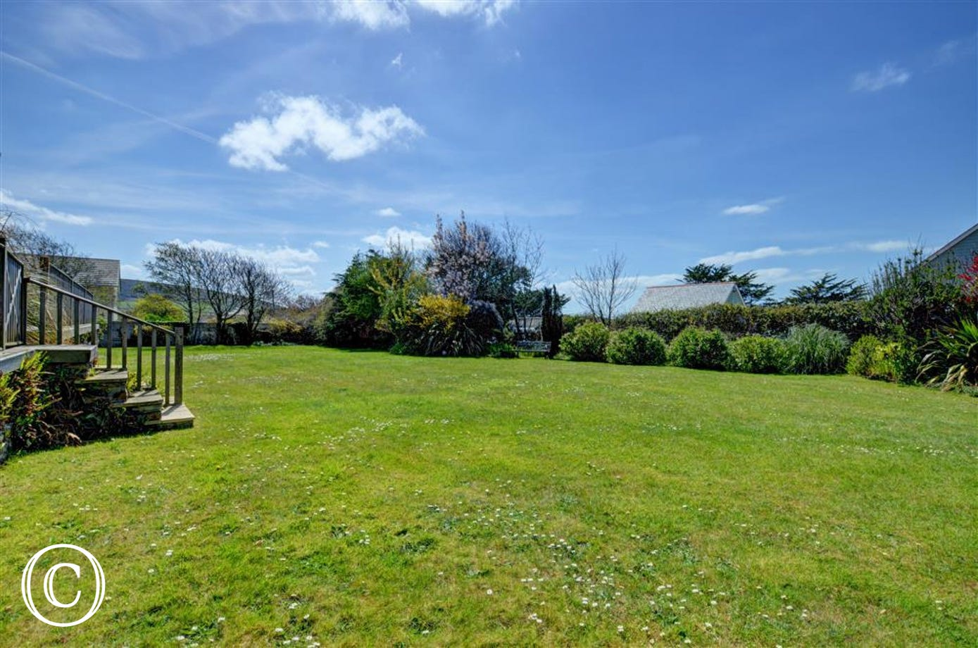 Overlooking a large communal lawn and garden it is ideal for small families or couples looking for a comfortable base