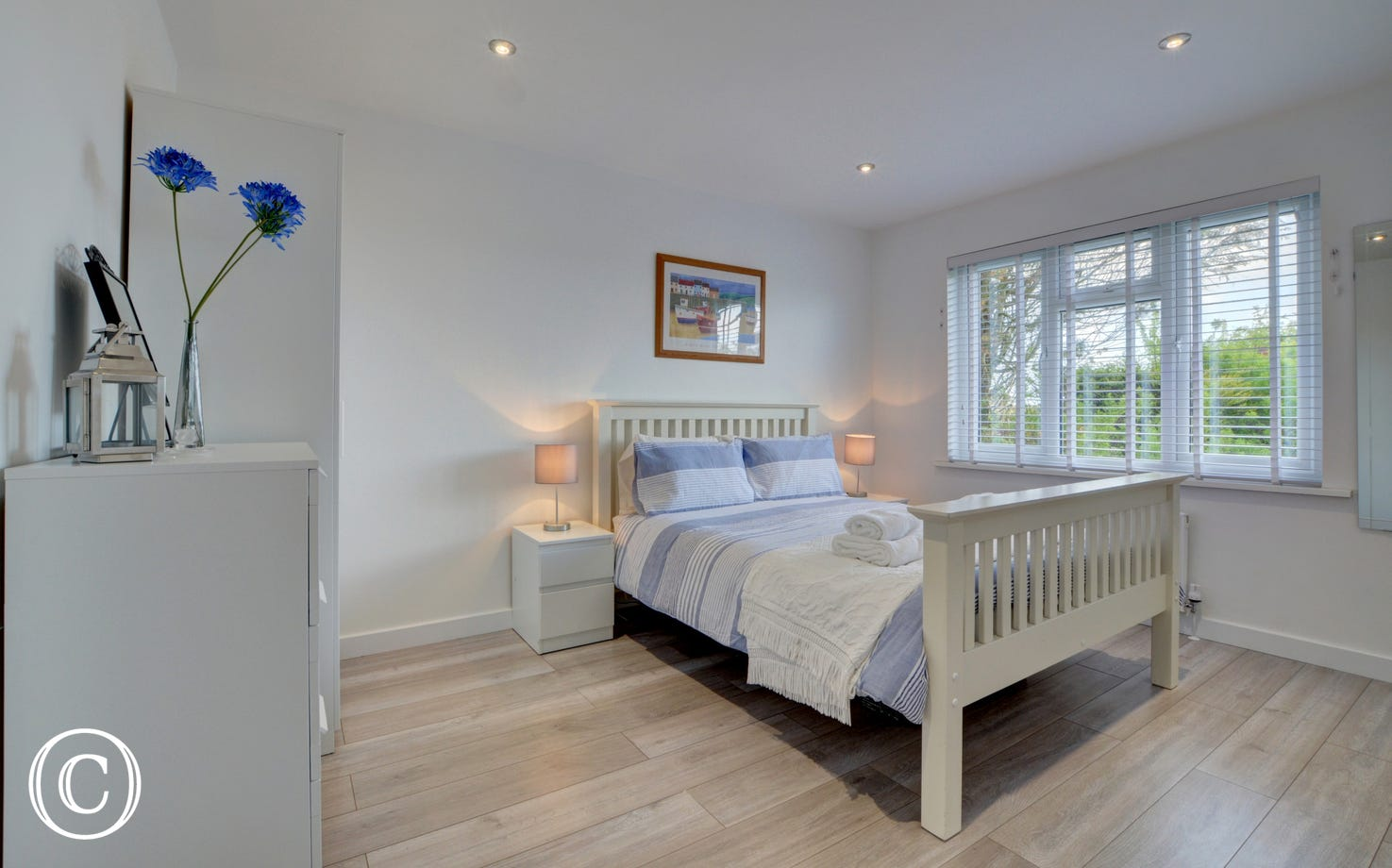 The double bedroom with garden views