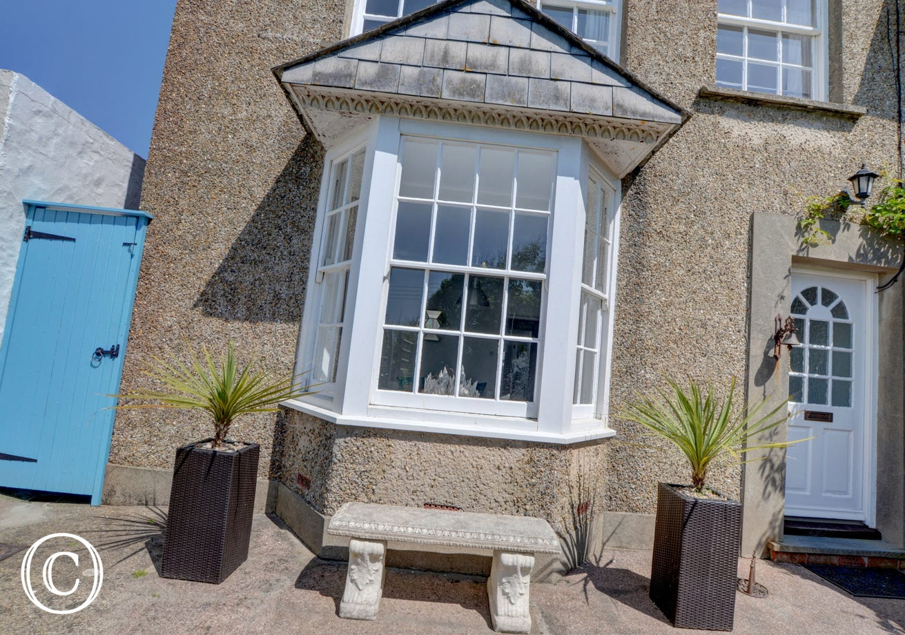 The cottage is ideal for couples looking to holiday with friends or for a fun family break by the ocean