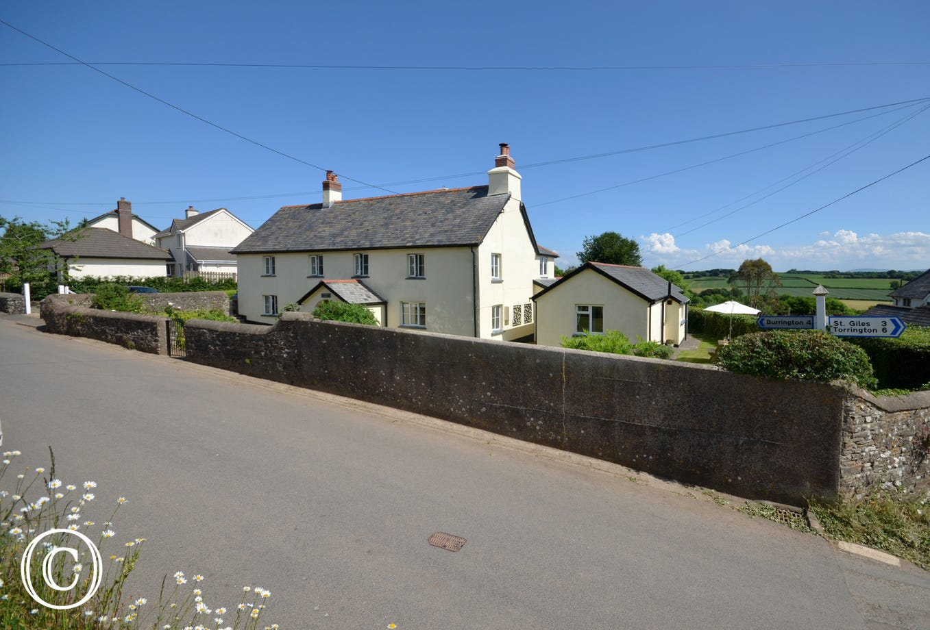 A lovely single storey annexe of a Grade II listed Devon Longhouse cottage