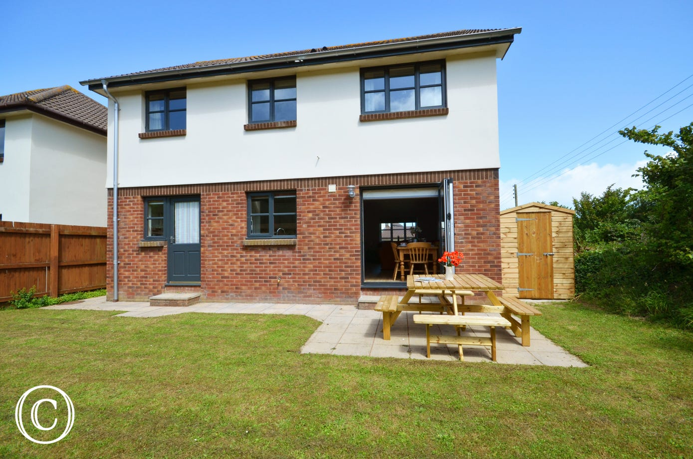 This detached modern home offers spacious family accommodation and is extremely comfortable throughout