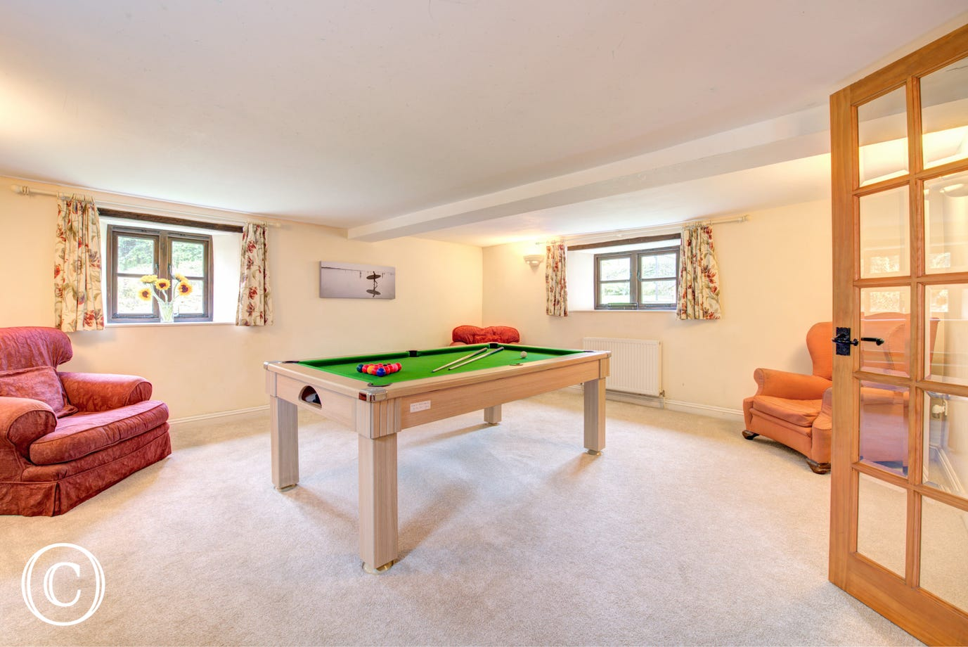 The fantastic Pool room!