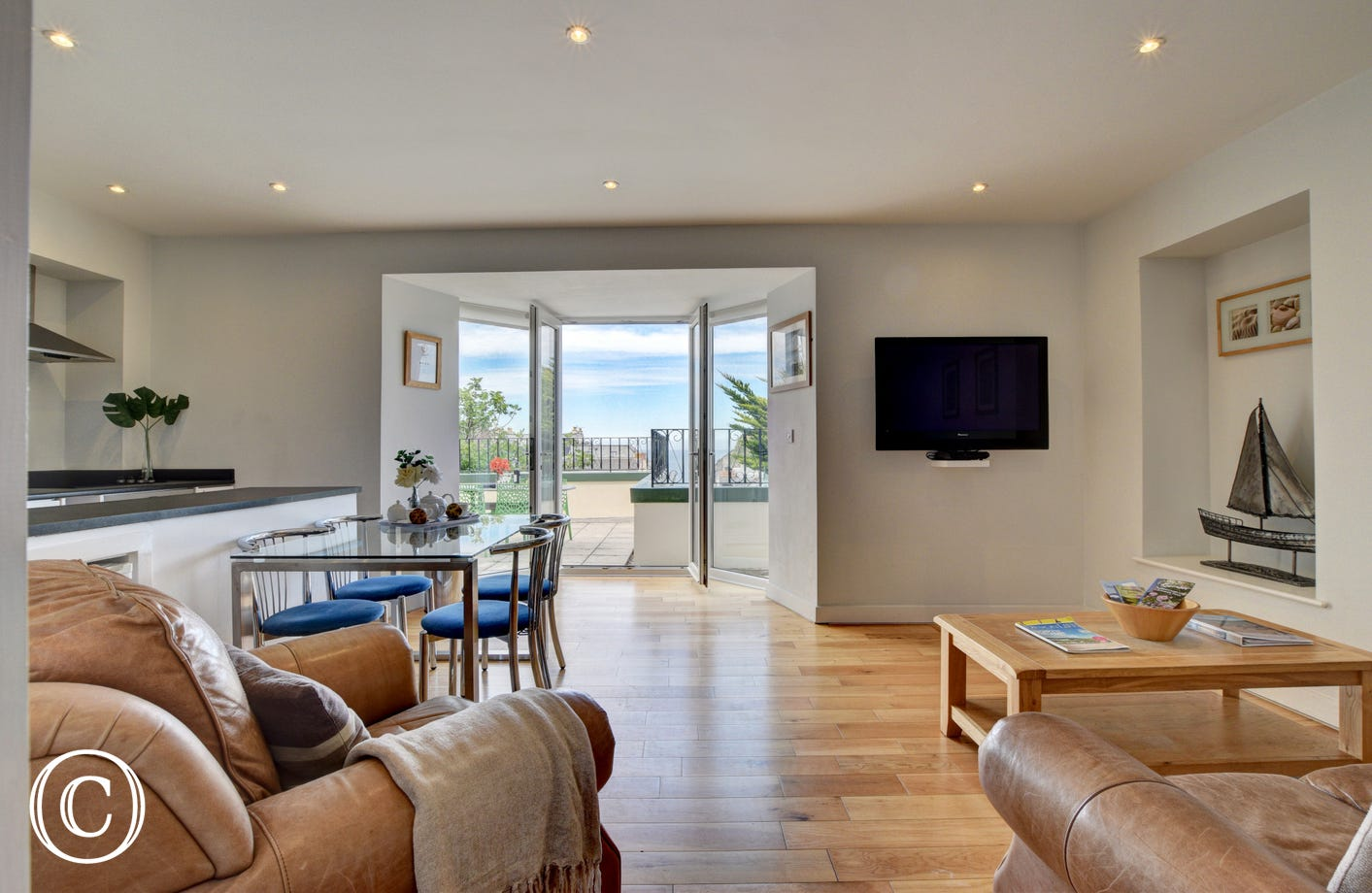 Modern first floor apartment minutes from Ilfracombe harbour