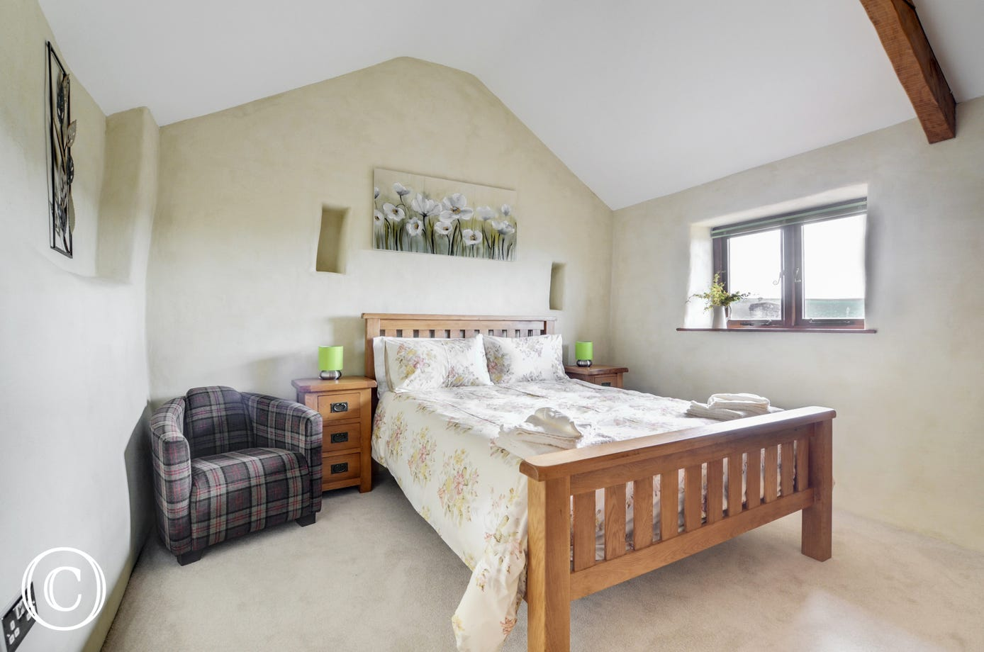 An attractive bedroom with Kingsize bed and shower room complete the internal accommodation