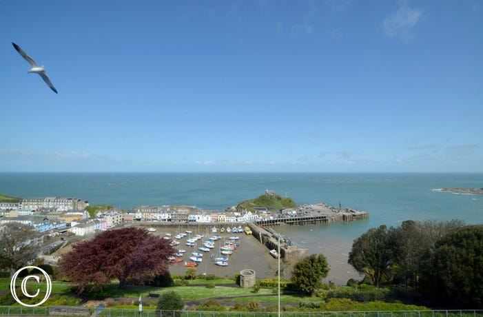 In a great location for enjoying spectacular views over Ilfracombe harbour, the coastline and across the Bristol channel towards the Welsh coast