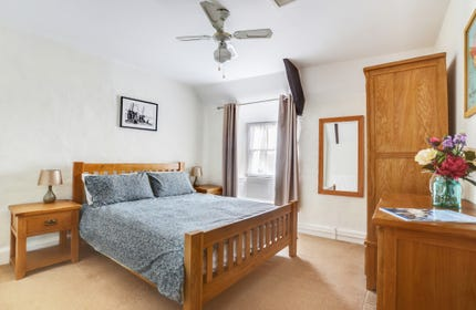 Good sized attractive double room